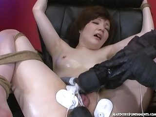 Short head asian having screaming orgasms