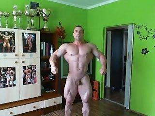 Bodybuilder nude pose 2 igor