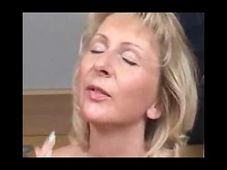Mom loves to blow and swallow