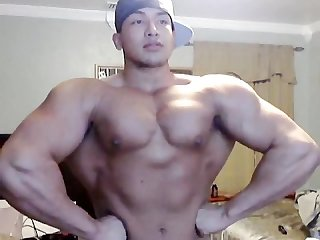 Webcam muscle worship muscle flex