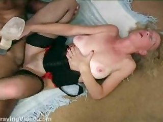 Cathy the slut wife in a creampie gangbang