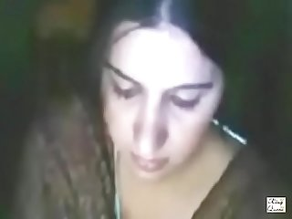 pakistani hot mature aunty showing big boobs on webcam video call