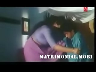Mallu Aunty seduces servant boy