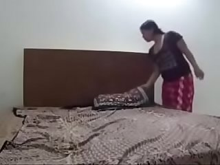 Padosan ki hotel me Chudai ki watch full Vid on indiansxvideo com