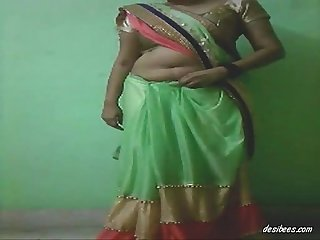 Bangladeshi bangla hot sexy aunty cam show , boobs & pussy show