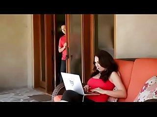 Escena de esposa con marido y amante