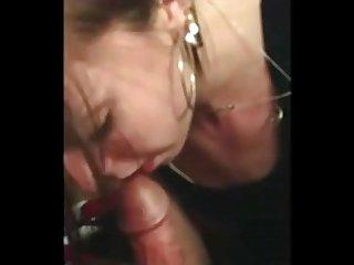 One night stand partygirl sucks my cock