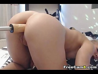 Blonde Chick Gets a Anal � my chat www.girls4cock.com/siswet19