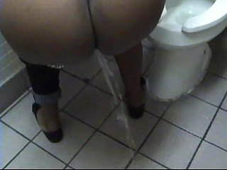 Ebony candi girl s pee piss crush promo