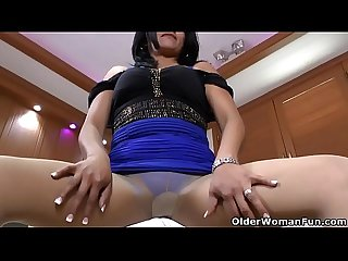 Latina and pantyhosed milf veronica puts sex toys to work