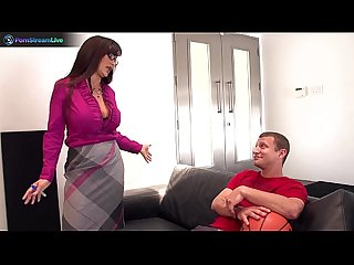 Pretty milf lisa ann got her snatch stuffed with big cock