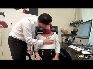 Live arabsonweb com nabila djela liked by her boss at work