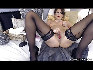 Meet squirting brunette milf Mindy