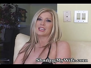 Rubbing her clit to orgasm
