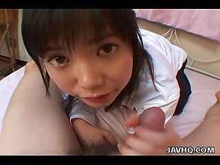 Young japanese teen gives a perfect blowjob and swallow