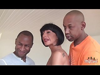 Barbara surprise par son mari en gangbang avec des blacks