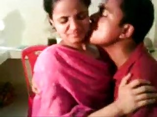 Amateur Indian Nisha Enjoying With Her Boss - Free Live Sex - www.goo.gl/sQKIkh